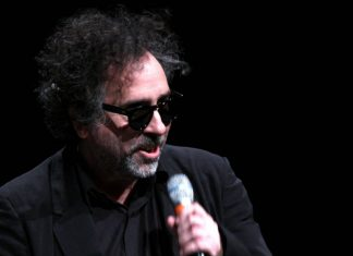 Tim Barton, By Gage Skidmore from Peoria, AZ, United States of America - Tim Burton, Uploaded by maybeMaybeMaybe, CC BY-SA 2.0, https://commons.wikimedia.org/w/index.php?curid=22893733